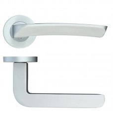 Aquila Door Handle Screw on Rose SC